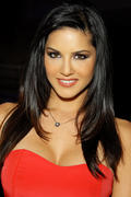 Санни Леоне, фото 1447. Sunny Leone ADDS to Post #205; AVN Adult Entertainment Expo Day 2 in Las Vegas on January 20, 2012, foto 1447