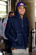 th 094195642 bobby 122 579lo Chris Brown accused of robbery after grab fans iPhone