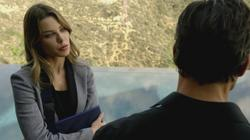 th_750876301_scnet_lucifer1x02_1372_122_