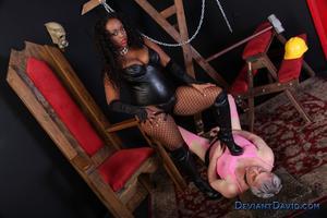 MeanWorld / DeviantDavid: Roxie Ray